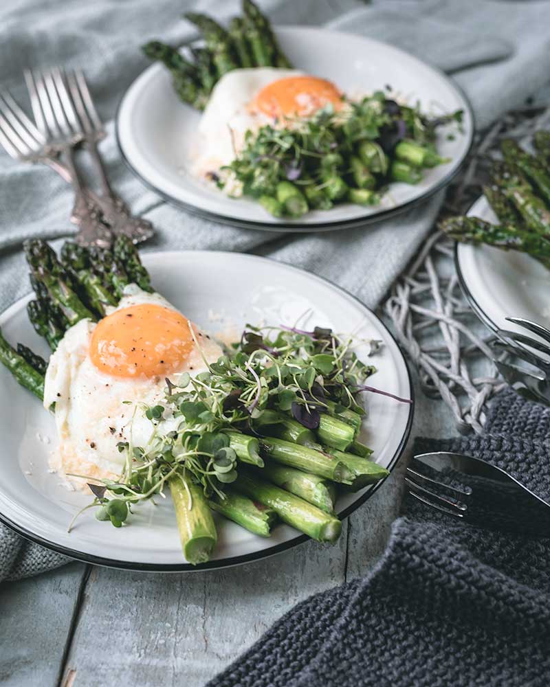 Buttered Asparagus Sunny-Side Up Eggs